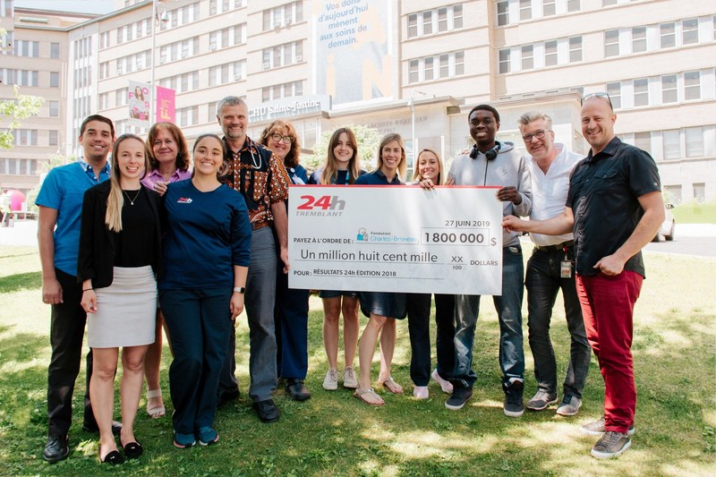 Tremblant's 24h representatives officially presented yesterday the Fondation Charles-Bruneau with a cheque for $1.8 million, thus building on the incredible success of the event's 2018 edition. (CNW Group/Fondation Charles-Bruneau)