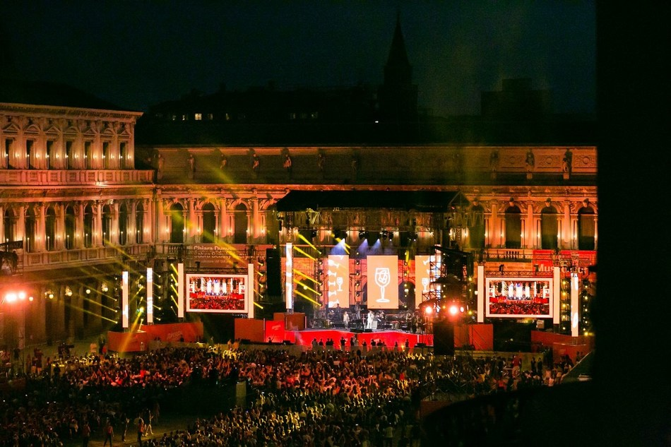 'Aperol Happy Together Live', an exclusive event hosted by Aperol in Venice's iconic Piazza San Marco  to celebrate the centenary of the brand (PRNewsfoto/Aperol)