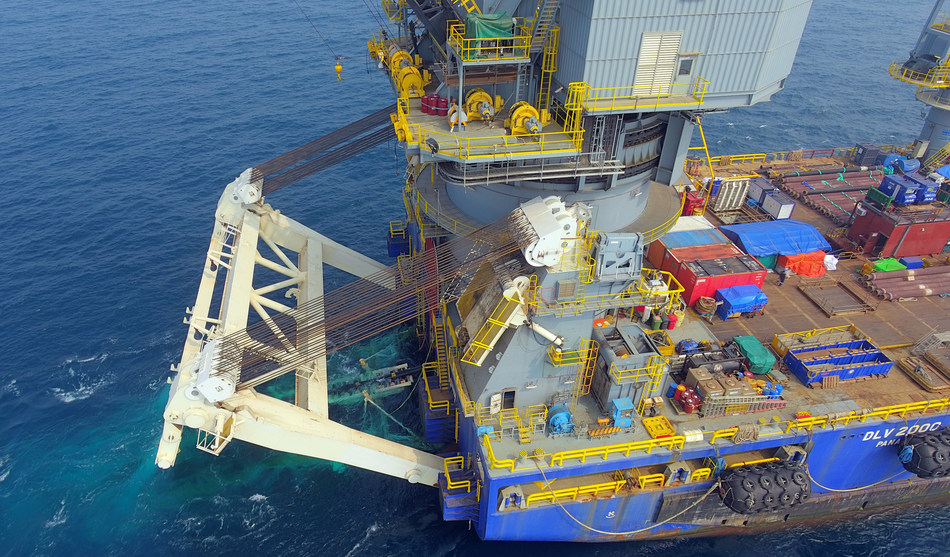 McDermott used its derrick lay vessel, DLV 2000 to perform its first S-lay piggy-back pipelay.