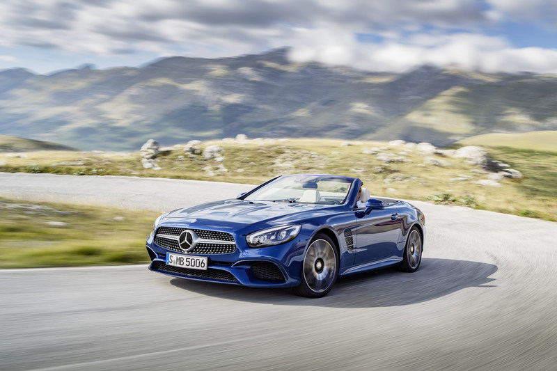 In June, Mercedes-Benz Canada retailed 3,491 passenger vehicles, including 1,576 cars and 1,915 SUVs. (CNW Group/Mercedes-Benz Canada Inc.)