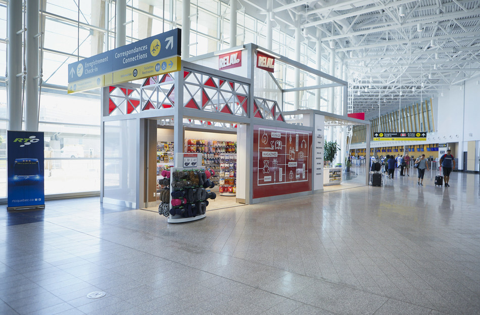 New Relay store in the public area at YQB. (CNW Group/Aéroport de Québec)