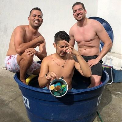 Roninho e seus amigos Carlinhos Maia e Diogo Oliveira