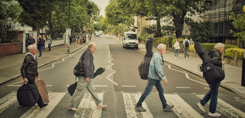 Crossing Abbey Road. From left:  Colin Hanton, Chas Newby, Rod Davis and Len Garry.