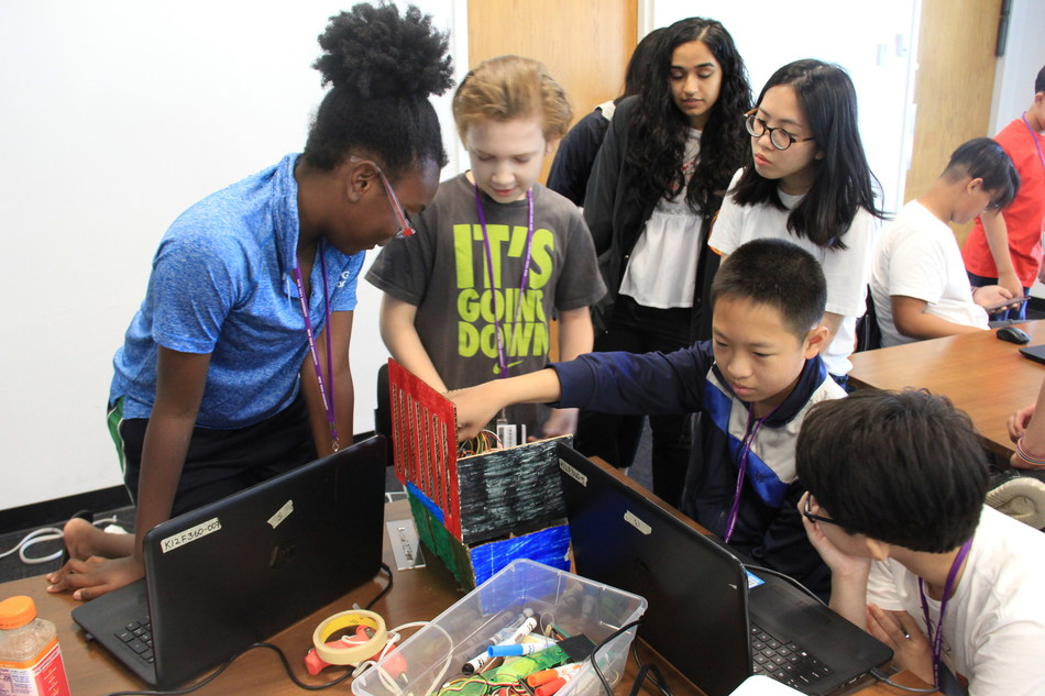 Middle school students learn smart-cities technology at #STEMnow at the NYU Tandon School of Engineering