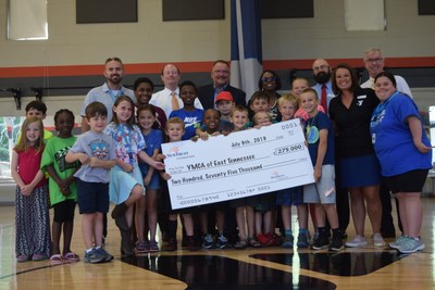 SunTrust Foundation presents $275,000 grant to YMCA of East Tennessee to support youth development programs.
