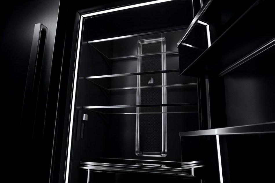 JennAir® Column Refrigeration (empty, interior) (CNW Group/JennAir Canada)
