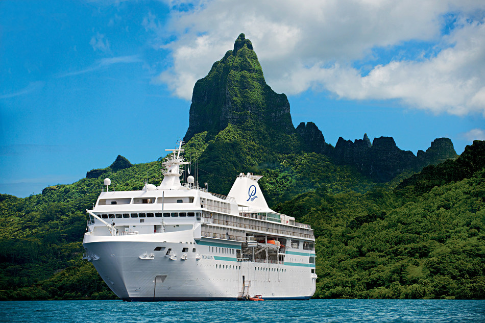 Built specifically to navigate the islands of French Polynesia, The Gauguin features a small size that allows her to maneuver from open ocean to shallow lagoon as nimbly as a yacht.