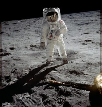L'alunissage et le premier pas de Neil Armstrong sur la Lune, Credit: Nasa (Groupe CNW/Espace pour la vie)