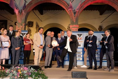 Zico with fellow winners of the XXIII^ edition of the International Fair Play Menarini Award.