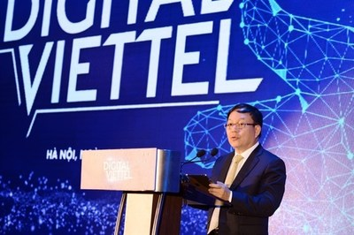 Mr. Le Dang Dzung, acting Chairman cum General Director of Viettel Group delivers a speech at the launching ceremony