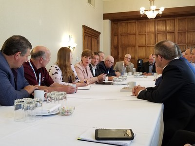 The Honourable Marie-Claude Bibeau, Minister of Agriculture and Agri-Food meets with dairy producers at the Dairy Farmers of Canada Annual General Meeting in Saskatoon. (CNW Group/Agriculture and Agri-Food Canada)