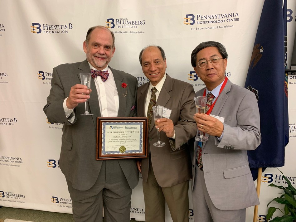 L to R: Michael Daley, CEO, OrthoGenRX, Dr. David Toledo, Chief Product Development Officer, OrthogenRx and Dr. Patrick Y-S. Lam, Blumberg Institute Distinguished Professor and Principal Investigator, celebrate OrthoGenRX's Entrepreneur of The Year Award