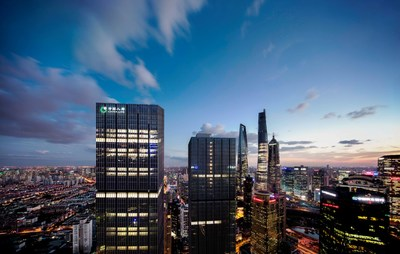 Shanghai-London Financial Link Upgrades: London Lord Mayor Attends Roundtable Meeting at Shanghai China Life Finance Centre