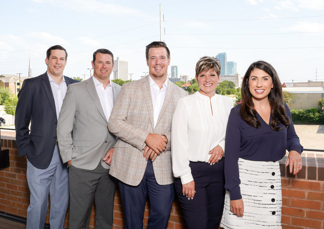From left-to-right: David Corley, Industrial Brokerage Associate; David De Carion, Vice President; Gibson Terry, Summer Intern; Lori Loftis, Client & Transaction Manager; Sarah LanCarte, Founder (photo courtesy of Brian Hutson Photography)