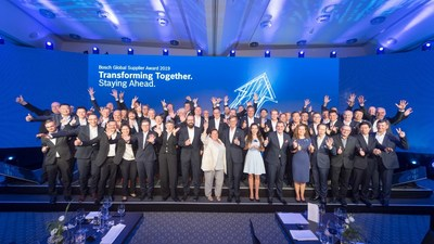 Group photo for Global Supplier Award winners
