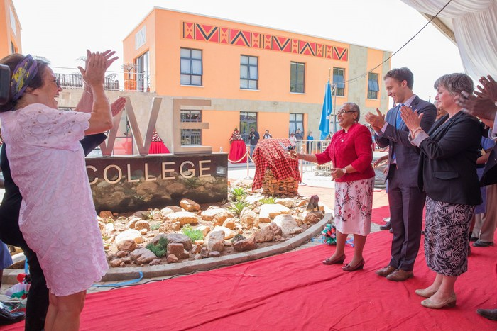 Her Excellency Margaret Kenyatta, The First Lady of the Republic of Kenya is joined by Celebrated Canadian, mental health advocate, author and mother of the current Prime Minister of Canada, Margaret Trudeau; Her Excellency Lisa Stadelbauer, Canadian High Commissioner to Kenya as well as WE co-founder, Craig Kielburger for the ribbon cutting ceremony at WE's first-ever WE College in Kenya's Narok County. (CNW Group/WE Charity)