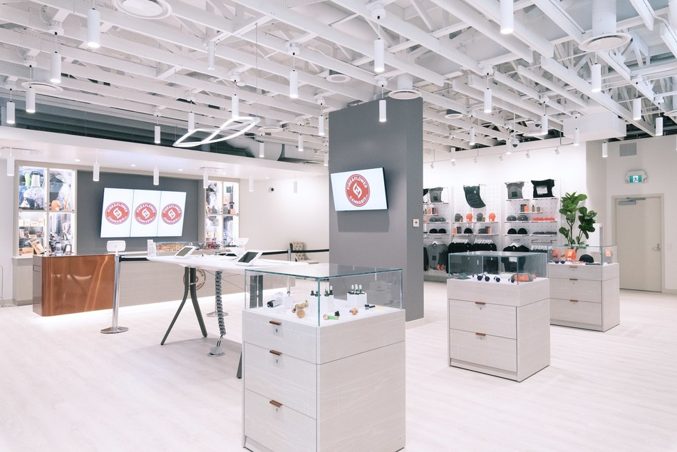 Fire & Flower Retail Stores (C) 2019 Fire & Flower Inc. (CNW Group/Fire & Flower Holdings Corp.)