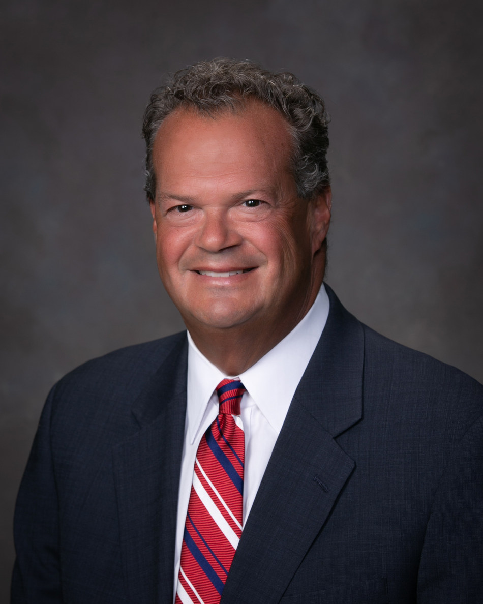 Louis L. Weinzelbaum joins Old Second National Bank