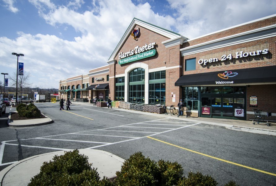 Harris Teeter at Shoppes at Foxchase