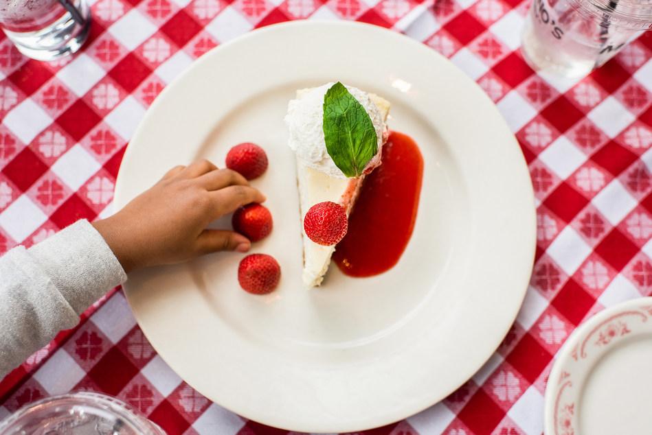 (PRNewsfoto/Maggiano's Little Italy)