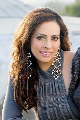American Pakistani beauty queen pens down her memoirs