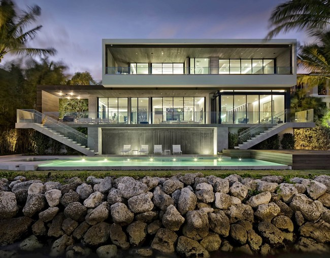 Strang Design is widely acclaimed for its distinguished body of work which includes many modern residences across the state of Florida and the Caribbean.