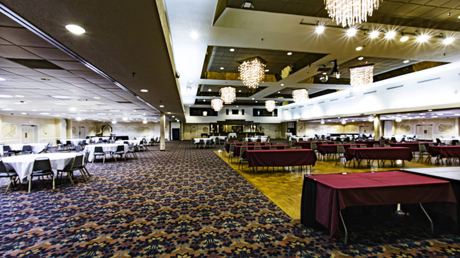 Hager Hall's banquet area can accommodate 2,000 people standing and 1,000 sitting. The facility's three large rooms can be partitioned into different quarters that provide up to eight separate meeting rooms.