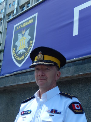 C/Supt Martindale en Ukraine (Crédit: RCMP-GRC) (CNW Group/Royal Canadian Mounted Police)