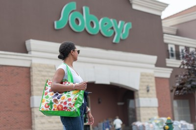 Sobeys eliminates plastic bags as first step in removing unnecessary plastic from retail and focuses on promoting reusable, sustainable alternatives. (CNW Group/Sobeys Inc.)