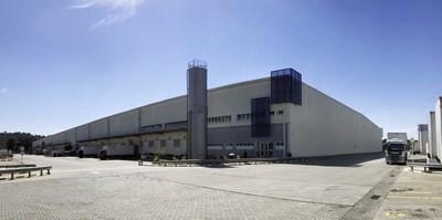 Armazém logístico de construção própria da MINISO (PRNewsfoto/MINISO Japan)