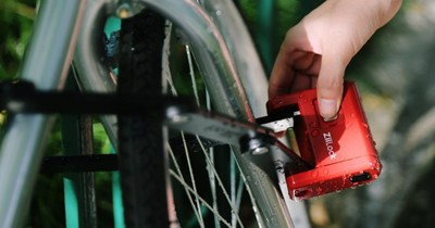 ZiiLock's First Foldable Smart Bike Lock Is Launching on Indiegogo