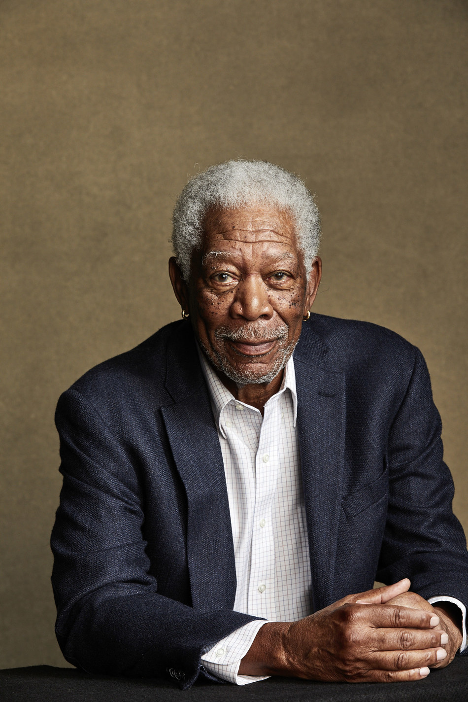 SafeAirbags com and Morgan Freeman Urge You to Check Your