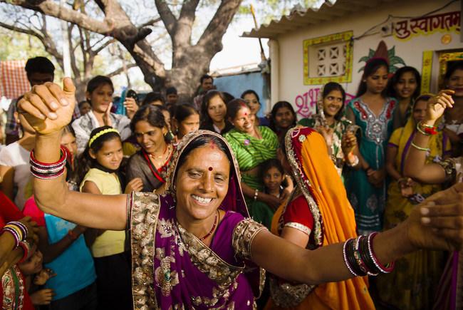 Women dance in Madhya Pradesh, India. (WaterAid/ Eliza Powell)