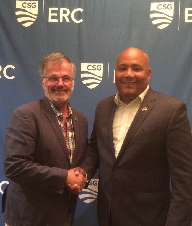 Mr. Guy Ouellette, M.N.A for Chomedey at the Quebec national Assembly and Mr. Michael Coteau, MPP for Don Valley in the Legislative Assembly of Ontario. (CNW Group/Députés indépendants)