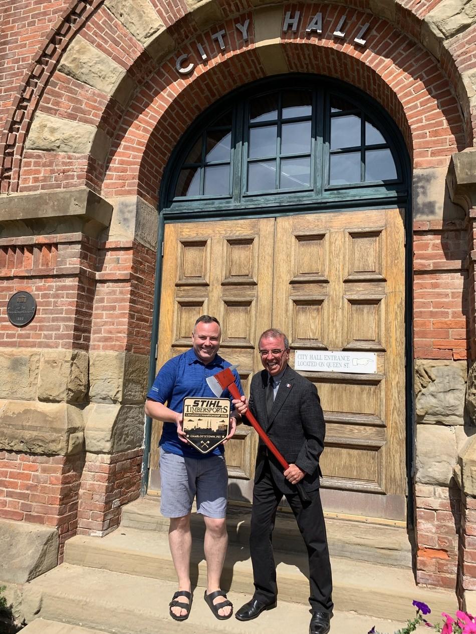 His Worship, Charlottetown Mayor Philip Brown, and Events Development Officer, Wayne Long, are at the ready as the City prepares to host the 2020 STIHL TIMBERSPORTS Canadian Championship (CNW Group/STIHL TIMBERSPORTS)