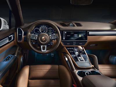 2020 Porsche Cayenne Turbo S E-Hybrid Interior