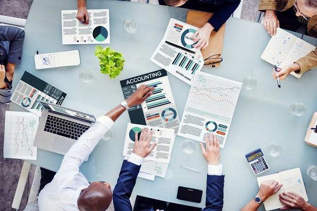 DataTracks celebrates acquisition of 2,000 customers in Singapore