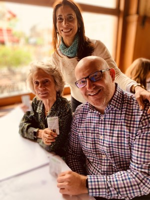 David Attard, CEO de Pharmacielo, se une a Adriana Adler de Laboratorios Adler y a la Dra. Miri Halperin Wernli de Creso en la firma de un acuerdo para proporcionar productos basados en CBD al mercado de salud animal