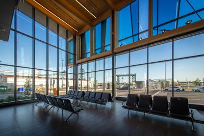 Sorel_Intérieur : La nouvelle gare de Sorel-Tracy permet d'accueillir 75 clients et dispose de 32 places assises. (Groupe CNW/Société des traversiers du Québec)