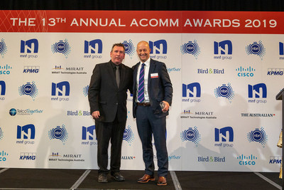 Hamish Lee, VP Sales APAC, Speedcast, receiving the ACOMM award