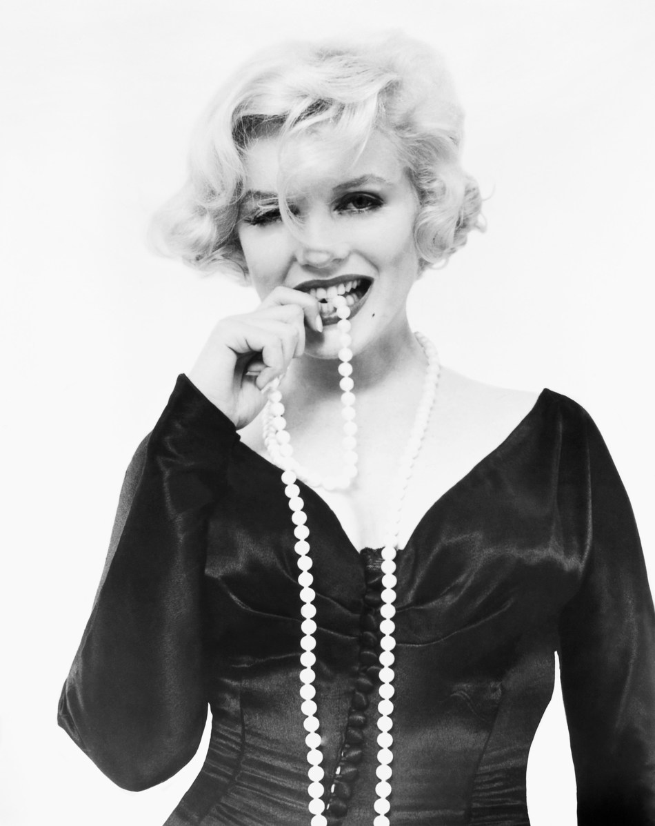 The white-bead necklace worn by Marilyn Monroe