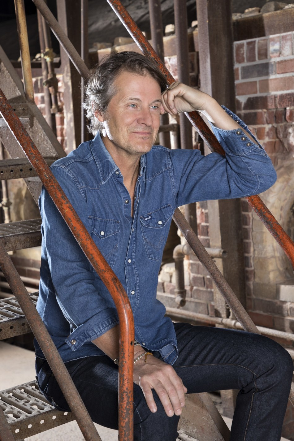 Jim Cuddy joins Michael Moore as moderator on his three-city Ontario tour this September (CNW Group/UP Next PR)