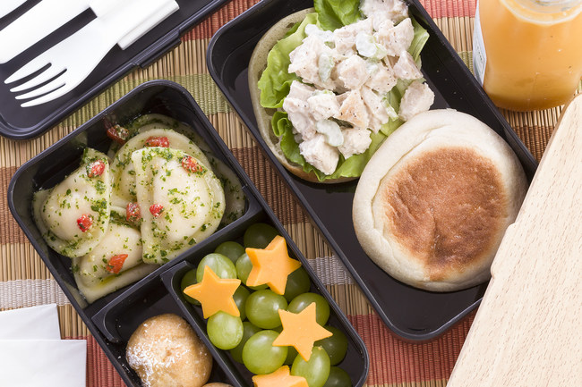 For this Back-to-School season, pack a Bento Box lunch and be the envy of the cafeteria! Not only can Bento Boxes be tasty and healthy - they are also eco-friendly, eliminating the need for disposable packaging like plastic bags and foil.