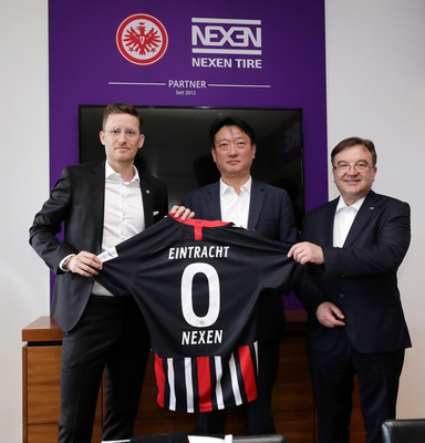 Arnfried Lemmle, the Head of Department Sales & Marketing at Eintracht Frankfurt Fussball AG, John Bosco Kim, Chief of Sales and Marketing NEXEN TIR Europe s.r.o. and Peter Gulow, the Managing Director of NEXEN TIRE Germany came together for a signing ceremony for Nexen Tire and Eintracht Frankfurt sponsorship renewal.