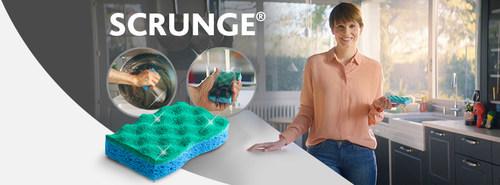 Scrunge possède une surface de récurage brevetée qui élimine la saleté tenace et se rince facilement. (Groupe CNW/Vileda Canada)
