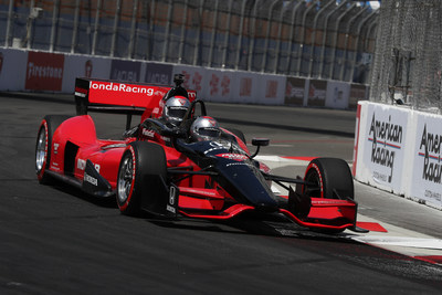 Honda's Fastest Seat in Sports helps to kick off each NTT IndyCar Series® race throughout the season, giving athletes, celebrities and notable influencers an opportunity to experience the thrill of the Honda-powered two-seat Indy car.