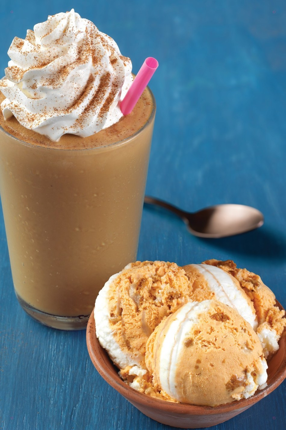 Baskin-Robbins' Pumpkin Cheesecake Cappuccino Blast is a delicious frozen coffee beverage that boasts a rich combination of 100% Arabica coffee, milk and ice cream blended with ice and topped with a cinnamon garnish. For more information, visit www.baskinrobbins.com/