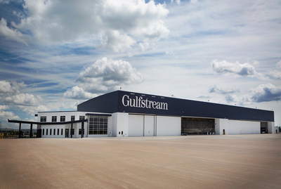 Gulfstream's expanded facility in Appleton, Wisconsin.  The $40 million, 190,000 square-foot building can accommodate 12 Gulfstream G650ER aircraft and employs more than 100 people. (Gulfstream photo)