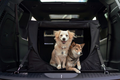 When it comes to making canine companions bark in approval, the 2019 Chrysler Pacifica and 2019 Jeep® Wrangler stand out as among the best. Both vehicles were recently revealed by Autotrader as among the 10 Best Cars for Dog Lovers.