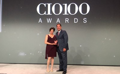 Karl Gouverneur, vice president of digital workplace, corporate solutions and head of digital innovation at Northwestern Mutual, accepted the CIO 100 Award on behalf of the company from Maryfran Johnson, IDG's Executive Director of CIO Programs.
